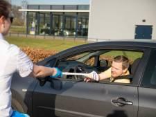 Hoe lang duurt het voordat je in coronatijd door de McDrive in Nijverdal bent?