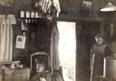 Een inkijkje in een Krimwoning. Dit gezin was vermoedelijk iets beter af, gezien de aankleding van het interieur.