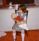 Tamara met haar broertje Koen.