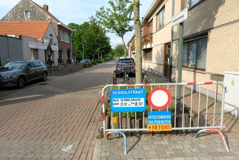 De Gasthuisstraat is vanaf nu een schoolstraat. De straat wordt op schooldagen afgesloten van 8.10 tot 8.30 uur.