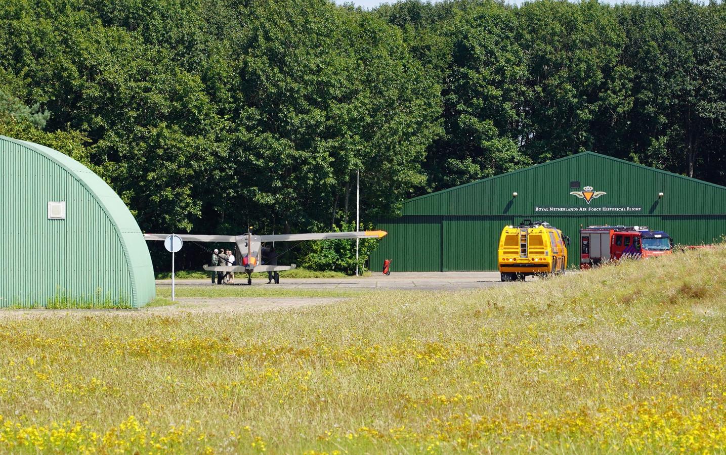 Het historische vliegtuigje moest een noodlanding maken op vliegbasis Gilze Rijen.