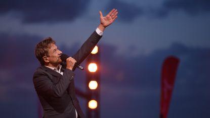 """Bart Peeters presenteert in volle coronatijd 'Zomerhit' zonder publiek: """"Zelf won ik die nooit, want ik ben te alternatief"""""""