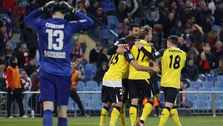 Rakitic heeft Sevilla vanaf de stip naast Atlético Madrid geschoten. Beeld epa