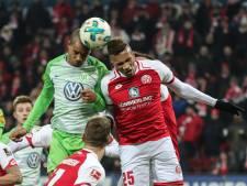 Wolfsburg met Bazoer gelijk bij Mainz