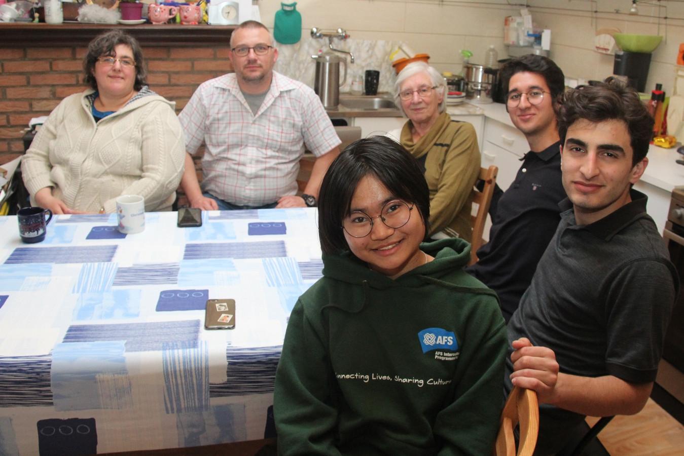 Lieve Coen uit Lede alsook Dany en Murielle Eemans uit Erpe huisvesten ook dit jaar enkele buitenlandse studenten.