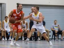 Poffertjes, molens en overwinningen: Basketballers Dordt College even terug naar de roots