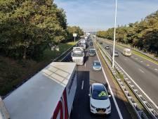 Lange file op A58 tussen Breda en Tilburg na ongeval