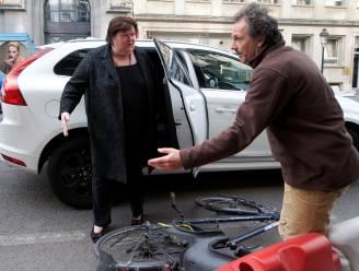 De Block en De Croo - letterlijk - op ramkoers met fietsers