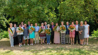 Zeven koppels stevig in de bloemetjes gezet voor huwelijksjubileum