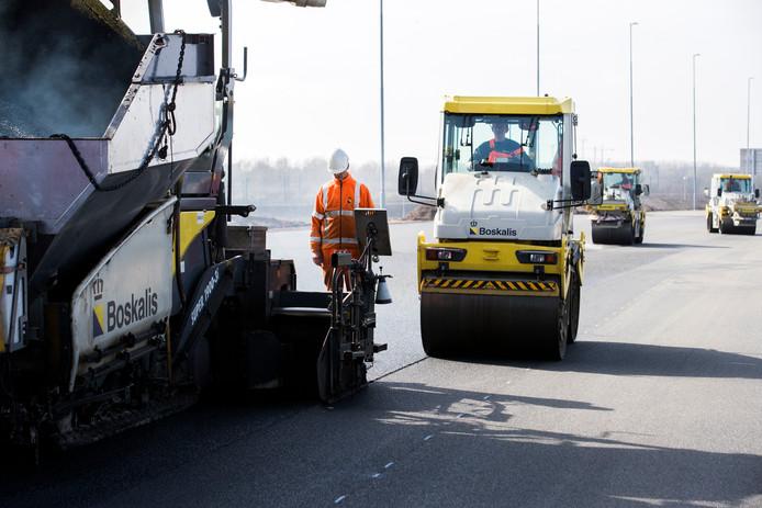 Voor wegwerkers wordt het steeds gevaarlijker hun werk te doen.