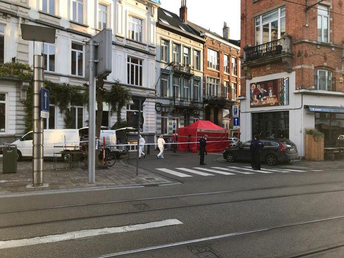 In een zijstraat van de Brabantdam werd het lijk gevonden.