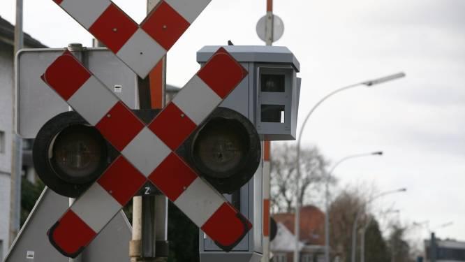 Slagbomen bleven zaterdagavond dik uur dicht tussen Geel en Herentals
