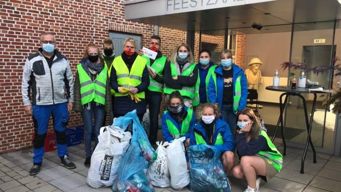 Meer dan honderd vrijwilligers ruimen zwerfvuil op