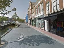 Gevallen Leeuwarder onderneemt actie tegen gladde stenen Nieuwestad