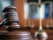 Un couple gay incarcéré pour incitation à la débauche d'un jeune qui jure que les rapports étaient consentis