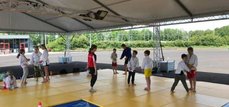 Judo Losser kan weer trainen, in een tent