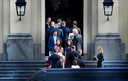 50 Tweede Kamerleden op bezoek bij de Koning op Paleis Huis ten Bosch.