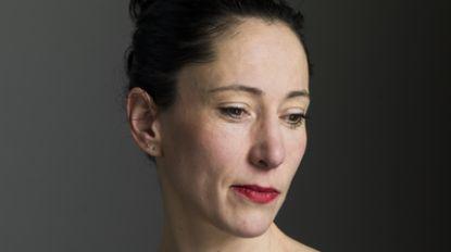 """Auteur Saskia De Coster wordt eerste huisschrijver van de KU Leuven: """"Benieuwd naar hoe studenten vandaag met taal omgaan"""""""