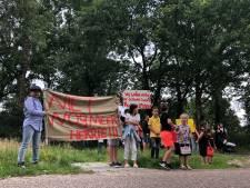 Woonwagenbewoners protesteren bij aftrap dialoog over verkeer Nuenen-West