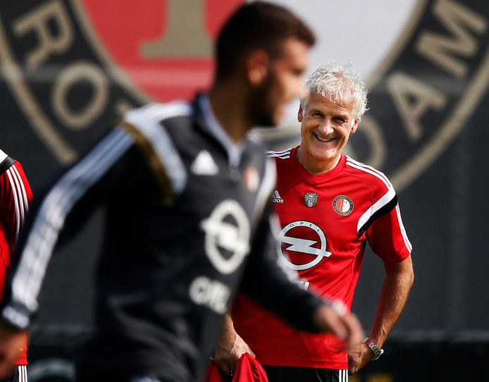 Fred Rutten in zijn tijd als Feyenoord-trainer.