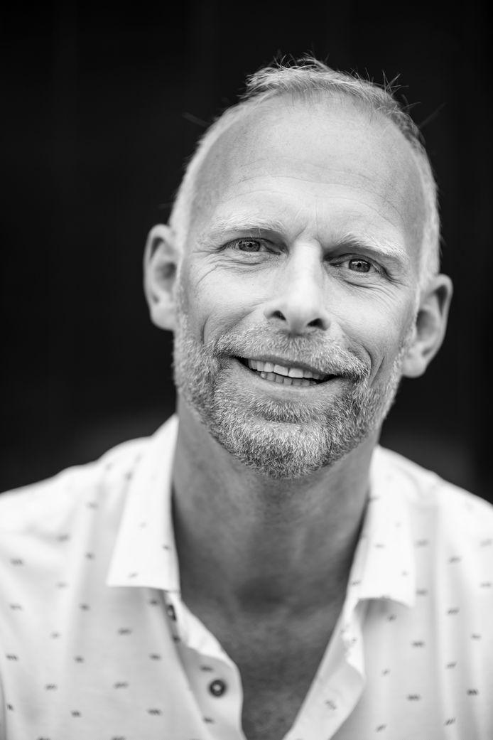 Dennis Dekkers van 't Sfeerhuys. Sinds kort is hij ook voorzitter van afdeling Groot Nijmegen van Koninklijke Horeca Nederland.