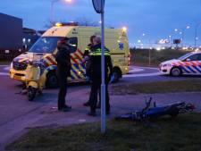 Jongen gewond na aanrijding tussen brommer en scooter in Waalwijk