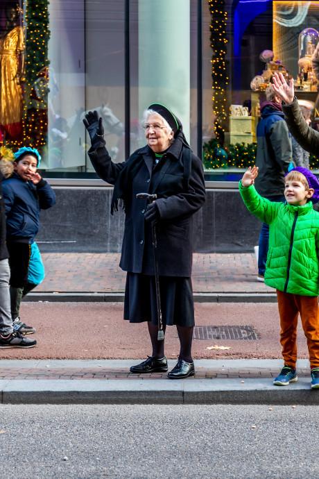 Zuster Josephine (97) wilde Sinterklaas graag van dichtbij zien: 'Jammer dat ze het feest bederven'