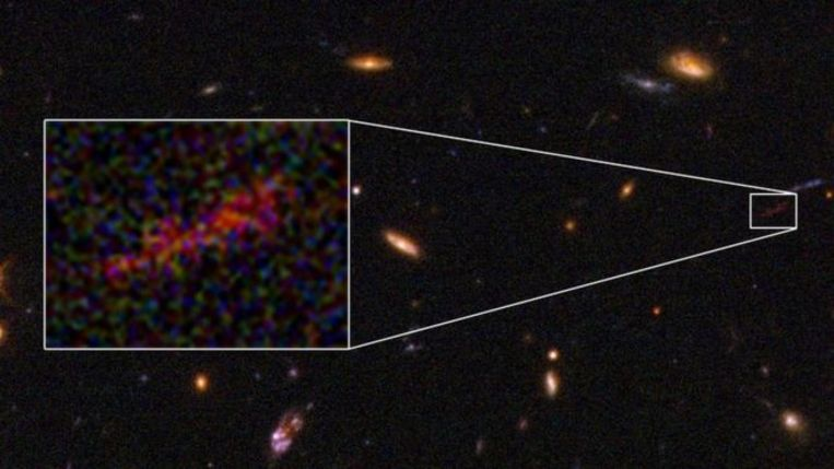 Hubble maakt unieke close up van oeroud sterrenstelsel