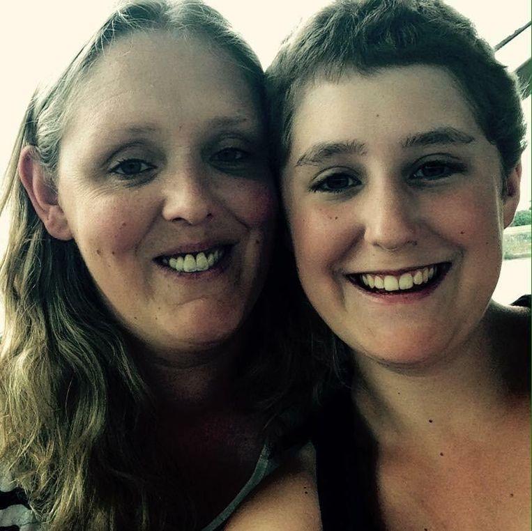 Moeder Karin en Jana.