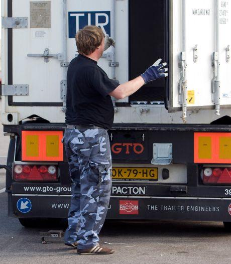 Chauffeur woedend na boete voor niet-gezekerde gevaarlijke stoffen bij Staphorst: 'Die verbalisant was op oorlogspad!'