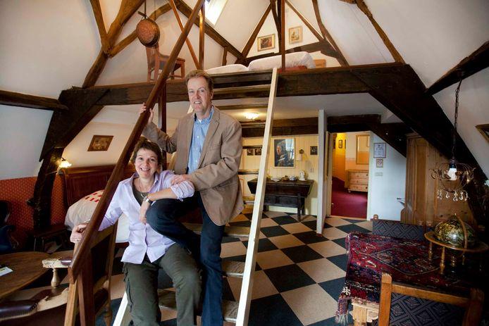 Eigenaren Jeroen Struyk en Desirée Went van hotel De Emauspoort in Delft.