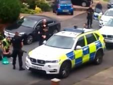 Omstander filmt arrestatie na moord op Jo Cox
