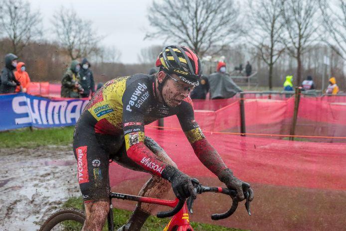 Laurens Sweeck zag een uitstekende cross in Dendermonde beloond met een knappe vijfde plaats.