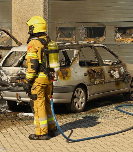 Vuurwerkramp voorkomen bij Osse Knalkoning als twee auto's tegen pand uitbranden? 'Geen gevaar bij ons geweest'