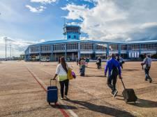 Luchthavenpersoneel smokkelt coke  naar Schiphol vanuit Suriname