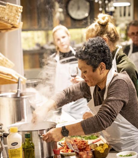 Koken bij het centrum voor slokdarmkankerpatienten bij ZGT