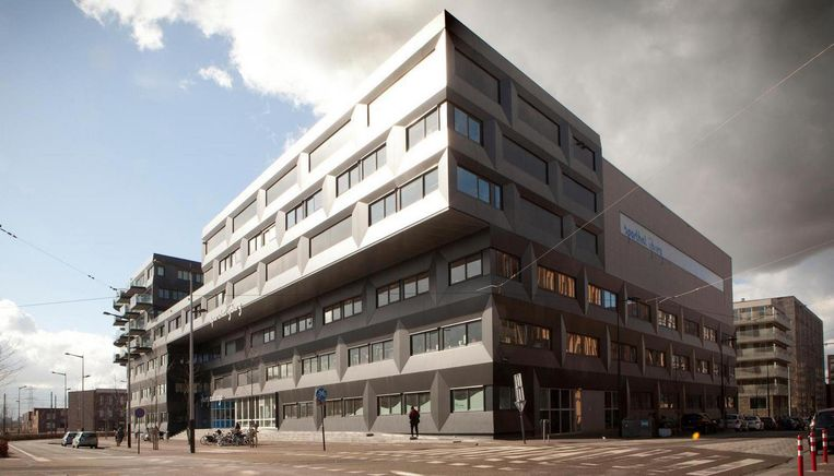 Op het IJburg College is nog goede instroom op alle lesniveaus, zegt de directeur.  Beeld Floris Lok