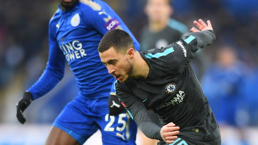 MULTILIVE: Dan toch geen strafschoppen in Leicester? Pedro straft blunder Schmeichel af, Hazard speelt bleke match