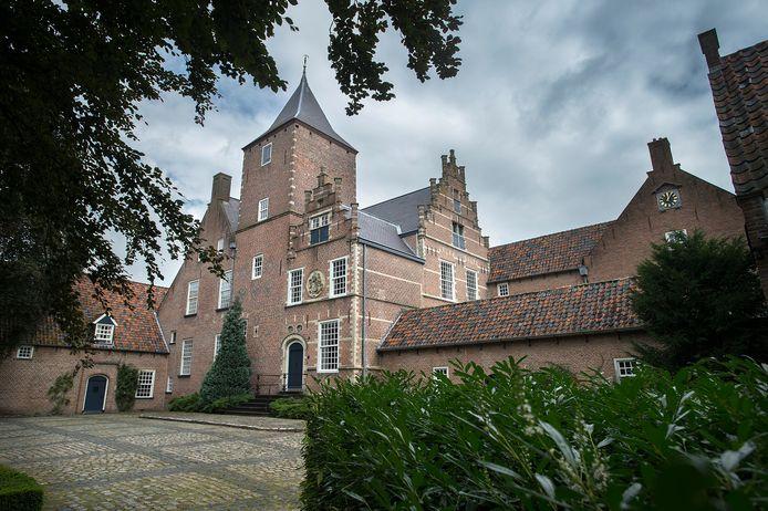 De binnenplaats van SintCatharinadal, een van de drie kloosters in de Oosterhoutse Heilige Driehoek. De zusters zien steeds meer ratten rondkruipen.
