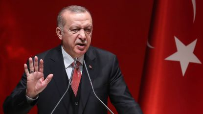 Turks president Erdogan houdt tientallen piloten aan in nasleep van mislukte couppoging