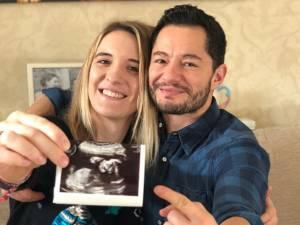 Ce couple transgenre attend un bébé: une première au Royaume-Uni