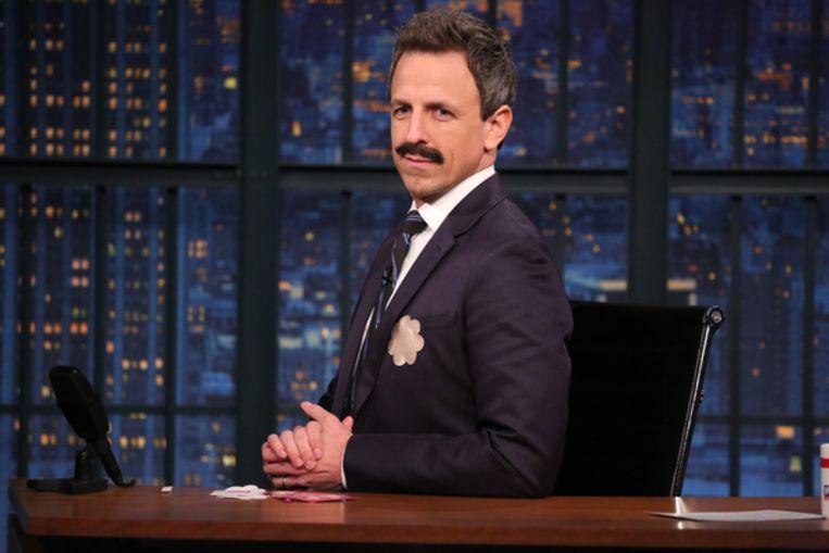 Seth Meyers tijdens zijn talkshow Late Night with Seth Meyers Beeld NBCU Photo Bank via Getty Images