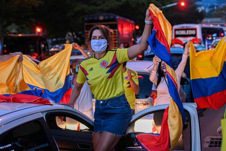 Aanhangers van Uribe protesteerden in hun auto's in de Colombiaanse hoofdstad Bogotá.