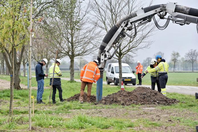 In een transportleiding tussen Rotterdam en Venlo is bij Udenhout een lekkage ontstaan.