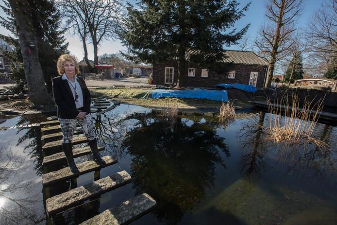 Eigenares Rita Lamers van Huize te Gaste in Gastel.