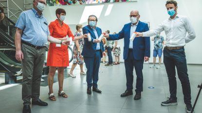 """Marc Coucke schenkt 5.000 tubes handcrème aan Gentse ziekenhuizen: """"Van al die desinfecterende gel krijg je kloven in je handen"""""""
