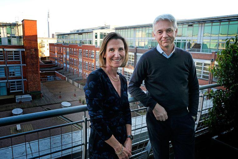 Christine en Nicolas Guibert in hun penthouse in Birmingham. Beeld John Robertson