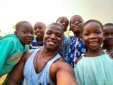 Helmonder maakt docu over geboorteland Nigeria: 'Het leven kan soms raar lopen'