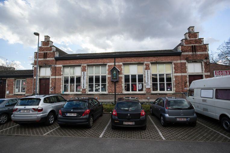 Het schoolgebouw zou moeten verdwijnen voor de uitbreiding van Aldi.