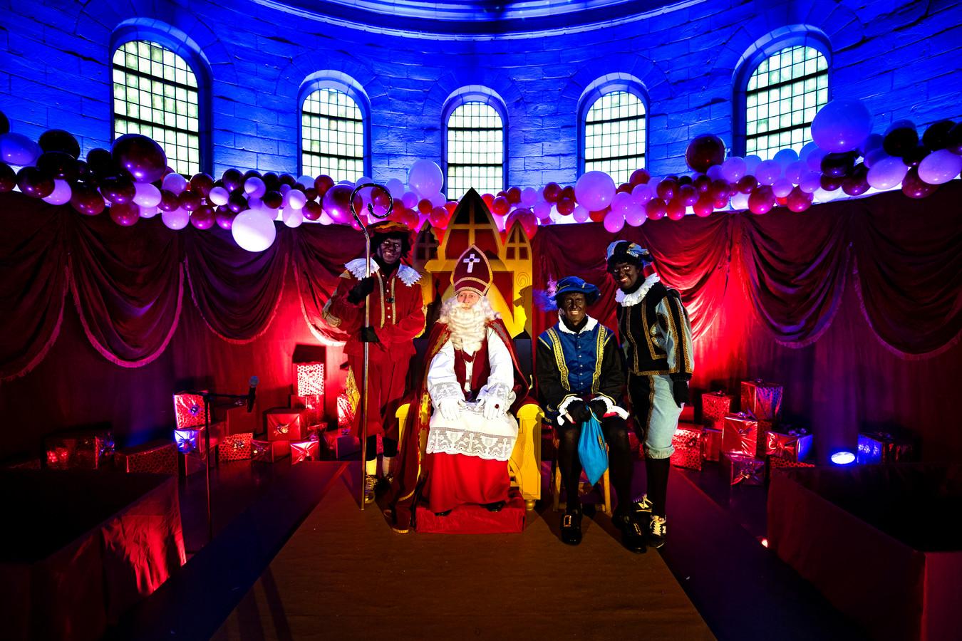 Opening Huis van Sinterklaas in de Steentjeskerk in Eindhoven.